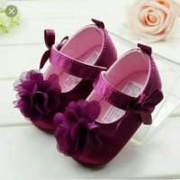 harga Sepatu prewalker bayi perempuan import Carter ungu bunga pita Tokopedia.com