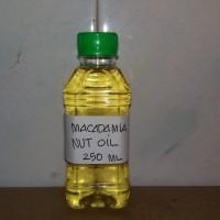 MACADAMIA NUT OIL. COSMETIC GRADE. 250 ML