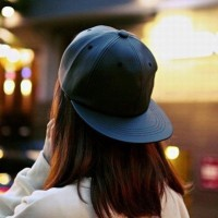 Topi snapback hitam leather