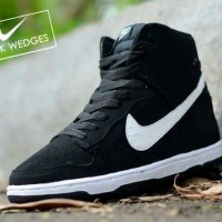 harga Nike dunk wedges hitam putih Tokopedia.com