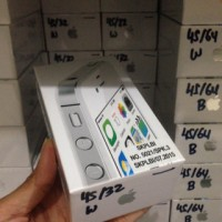 iPhone 4s 32gb BARU garansi 1th