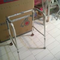 Harga Alat Bantu Jalan Walker Roda Ky912l Sella | toko alat kesehatan