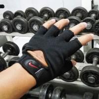 Sarung Tangan Nike Fitness Gym Fitnes Gloves All black Hitam
