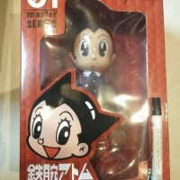 mainan action figure astro boy