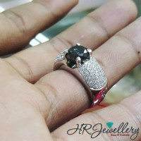 cincin berlian hitam dan putih fashion for women