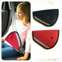 penahan sabuk pengaman mobil anak adjustable safety car seat kids