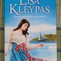 Novel Crystal Cove (Mantra Cinta) - Lisa Kleypas