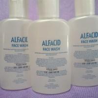 Alfacid Face Wash mencerahkan dan memutihkan wajah