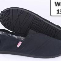 harga WAKAI BLACK 130 / SEPATU JEPANG/ WAKAI JEPANG/ SANDAL FLAT Tokopedia.com