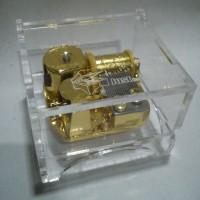 Classic Music Box Acrylic case Cocok Untuk Kado Orang Tersayang