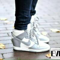 Wedges Sneakers Nike Putih Abu