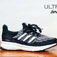 Sepatu Adidas Ultra Boost Pria Black-white Running Sport