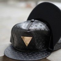 EXCLUSIVE SNAPBACK HATER PATTERN STARS BLACK LEATHER