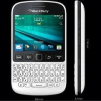 Blackberry 9720 GSM Original Garansi The One 2Tahun