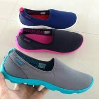 harga Sepatu Crocs Skimmer Duet Slip On Slop Cewek Woman Wanita Murah 37-40 Tokopedia.com