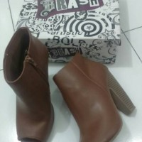 Boots Second / Preloved / Bekas Ori Brash Payless