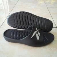 Jual TERLARIS !!! Sandal Pria, Reebok Kobo 6 Slide Replika. Sendal Lebaran. Murah