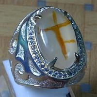 Cincin Batu Gambar Motif Salib