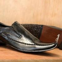 sepatu pantofel clarks (39-43)