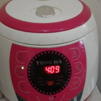 Yong Ma Rice Cooker Mc 3560 Warna Putih Pink