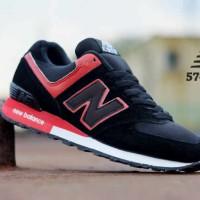 sepatu new balance 574 BONUS kaos kaki (gratis) murah,black red