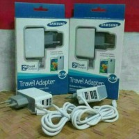 charger samsung 2.1 a/ 3 out put