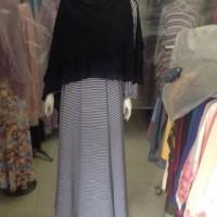 Gamis Maxi Dress stripes Black White Sleting depan Busui Friendly