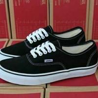 Sepatu Pria Kets Casual Vans Authentic Black -FREE 1PASANG KAOS KAKI