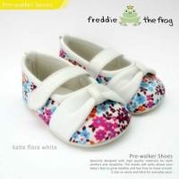 Prewalker Freddie The Frog Katie Flora White Sepatu Bayi Bunga Putih