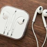 Original Apple Earpods/Headset for iPhone 5, 6, iPod, etc