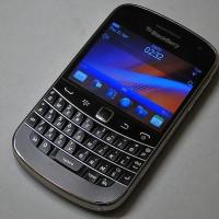 BlackBerry Bold 9900 Dakota Garansi The One 1 Tahun