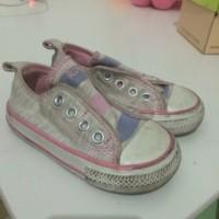 sepatu bekas converse anak
