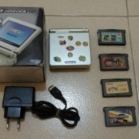 Gameboy Advance SP AGS-101 Gold + Dus + Charger KW + 4 Kaset NEGO!!
