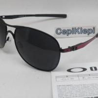 O Plaintiff Squared SILVER Frame W/ BLACK Lens (Polarized)