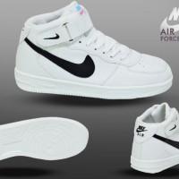 Sepatu Nike Air Force One White Black Womens Life Style Sporty
