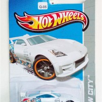 Q-05 Hot Wheels Nissan 350Z White
