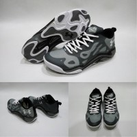 Sepatu basket Under Armour Anatomix Spawn Low Grey