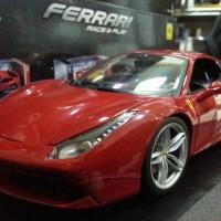 Bburago - Ferrari 488 GTB Skala 1:18, Merah