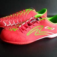 Sepatu Futsal SPECS SWERVO RASTA IN GARUDA ATTACK