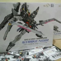 Model kit Gundam Strike noir master grade 1/100 dragon momoko