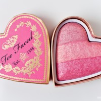 Too Faced Sweetheart blush - Something About Berry (Blush On)