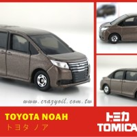 Tomica Toyota Noah 35