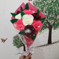 harga bunga wisuda bunga mawar flanel Tokopedia.com