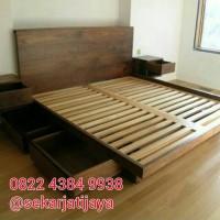 Dipan tempat tidur minimalis jati