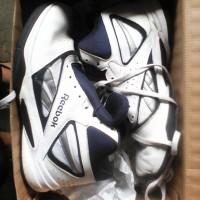 Sepatu Basket Reebok