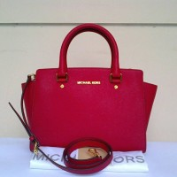 MK Selma Satchel Medium Chili Red