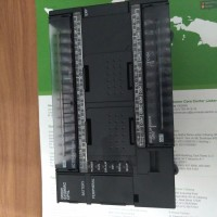 PLC OMRON CP1L-M40DR-A