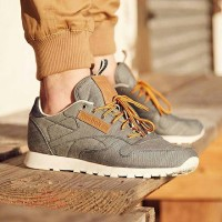 "Reebok CL Leather DP ""DENIM"" Chalk"