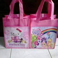 Jual tas ulang tahun /souvenir ultah anak karakter kartun model kantong Murah