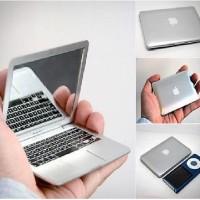 Kaca Rias Cermin Saku Pocket Kecil Laptop Apple Macbook Silver 113